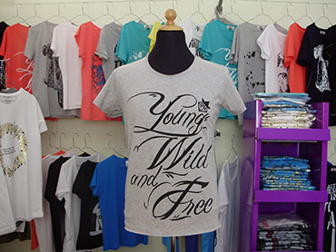 Art-T-Shirts Young Wild And Free